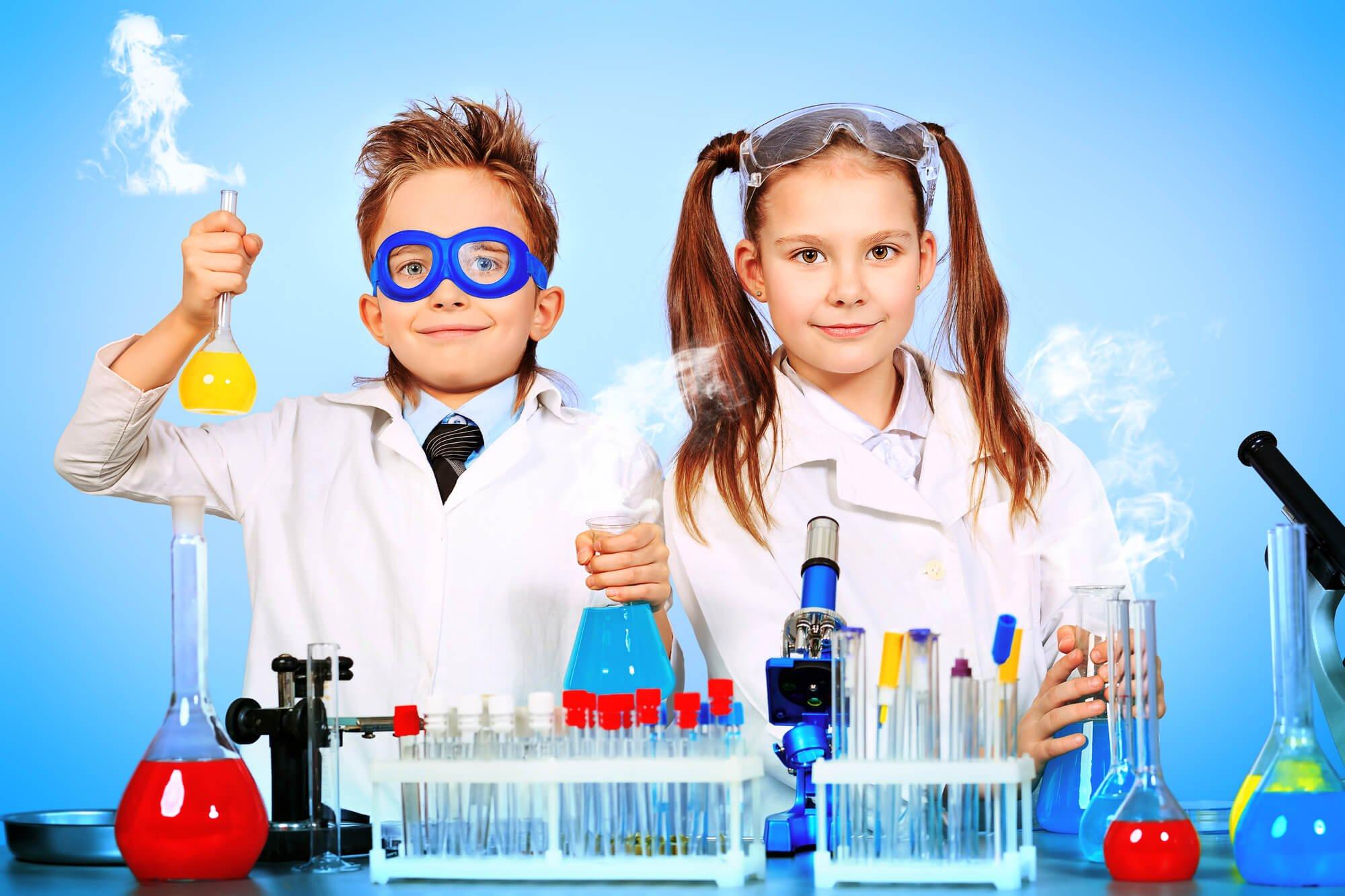 Experimente im Labor Kindergeburtstag Spiele